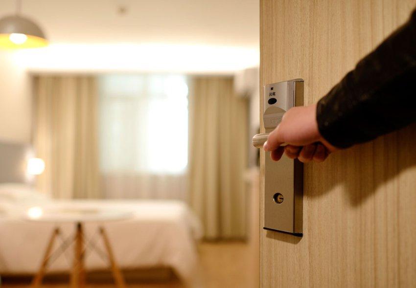 Hotel & Chambermaiding